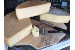 Brânză maturată  cu piper roșu 250 gr
